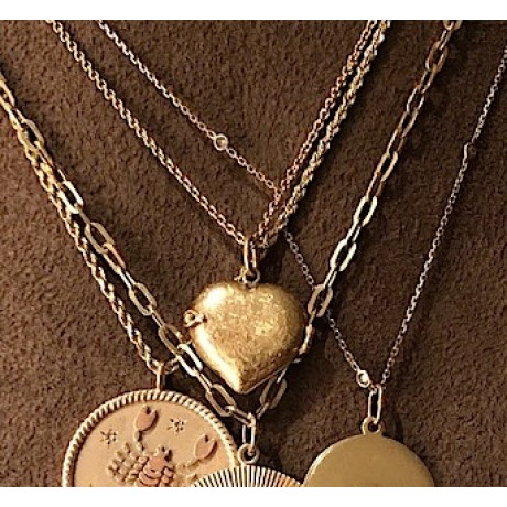 18K Victorian Engraved Heart Locket with Side Latch Closure